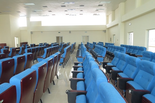 Người dùng có thể gập ghế lại nếu không có nhu cầu sử dụng