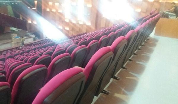 Ghế được làm từ các chất liệu cao cấp, đảm bảo về mẫu mã và chất lượng