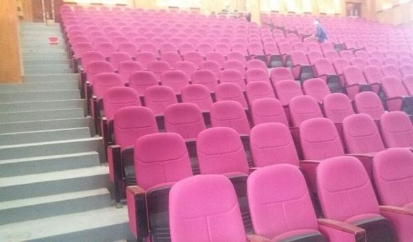 Khung cảnh hội trường sau khi đã hoàn thành hạng mục lắp đặt ghế