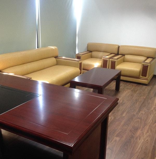 Bộ ghế sofa dùng để tiếp khách trong phòng giám đốc
