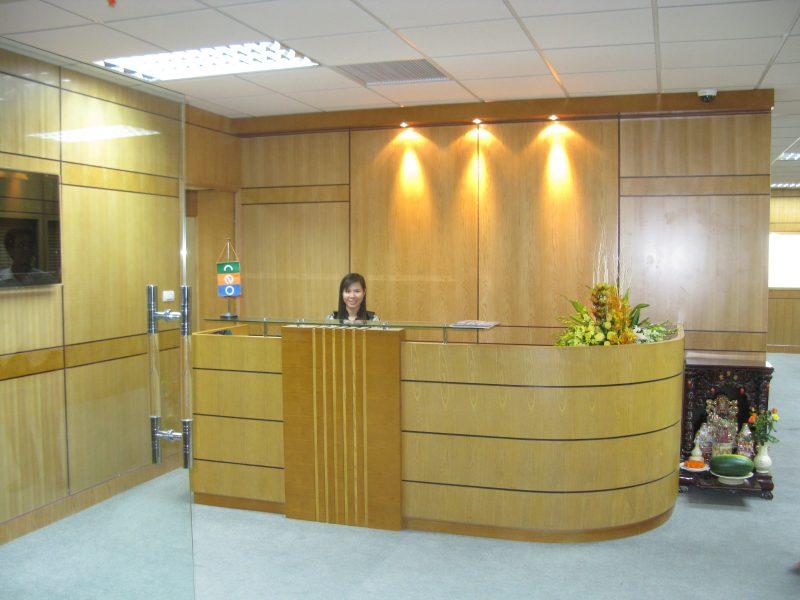 Không gian quầy lễ tân công ty CP CEO Phạm Hùng