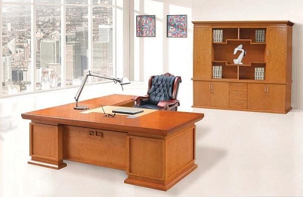 Lựa chọn bàn làm việc 1m6 theo phong cách chung của phòng giám đốc