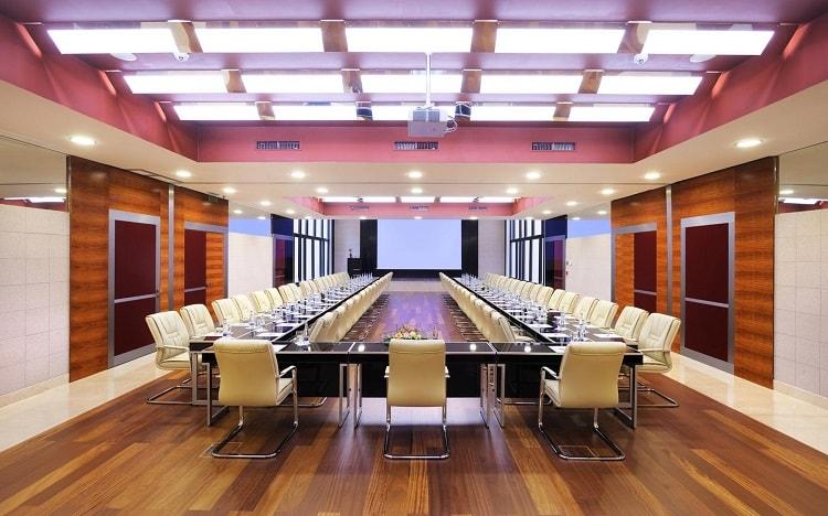 Phòng họp kích thước lớn cần thể hiện được phong cách riêng
