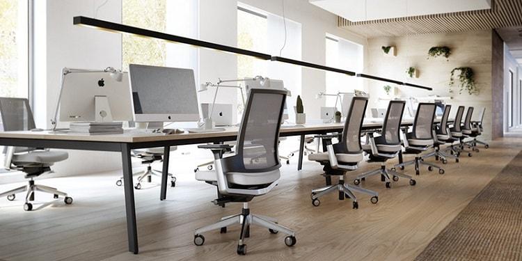 Khi lựa chọn bàn làm việc cho văn phòng cần chú ý đến yếu tố nào?