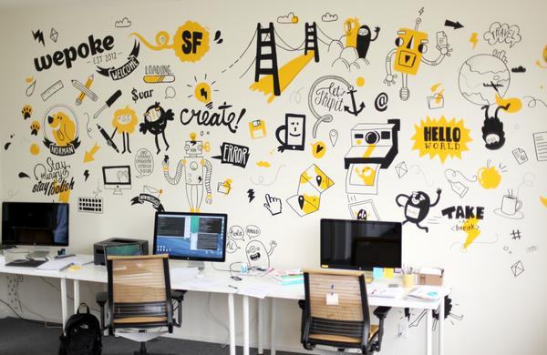 Những bức tường hoa tạo điểm nhấn cho văn phòng