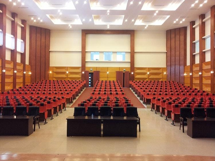 Không gian tổ chức hội trường ủy ban