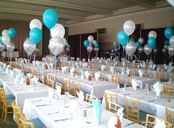 Sắp xếp chỗ ngồi trong bàn tiệc hình chữ nhật