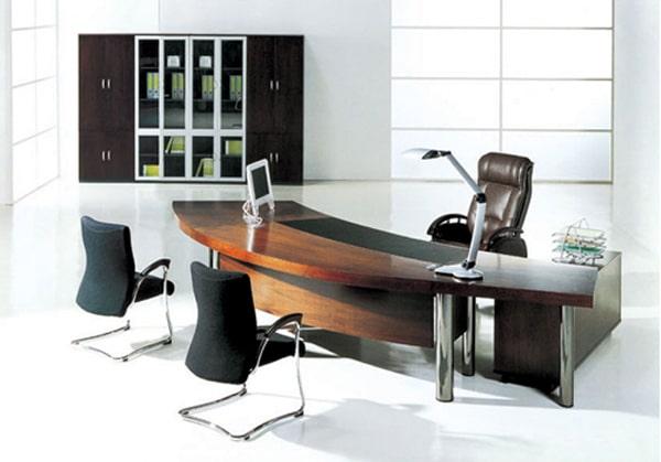 Chọn bàn làm việc hợp lý sẽ giúp vị giám đốc tăng hiệu quả làm việc