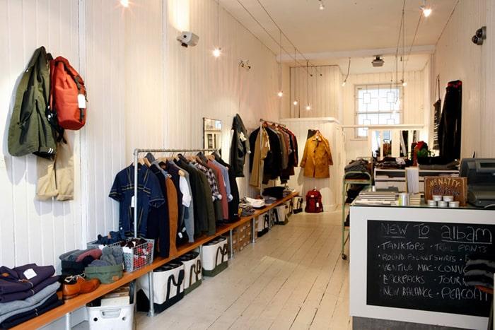 Sử dụng nội thất đa năng khéo léo cho shop quần áo diện tích nhỏ