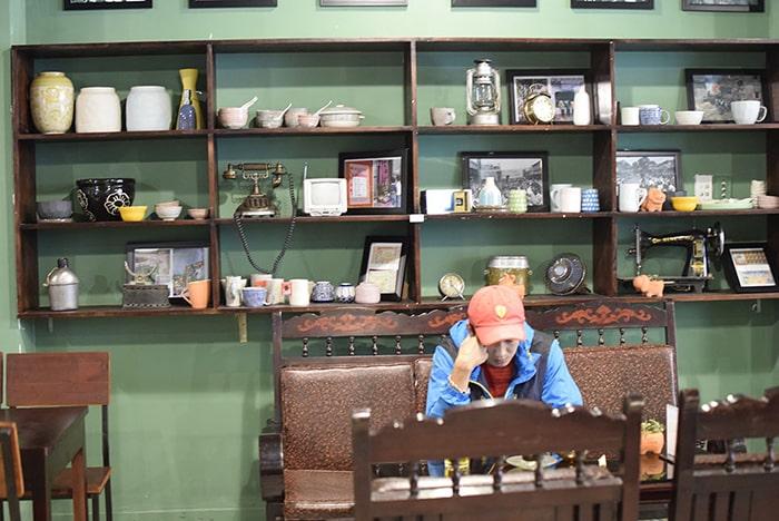 Trang trí quán ăn vặt dạng ăn đọc sách